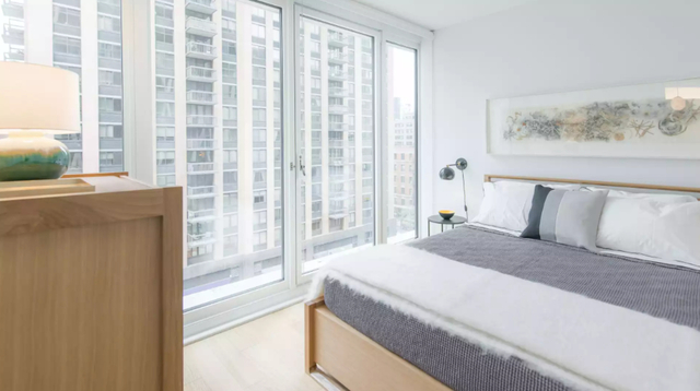 1 Bedroom, Lincoln Square Rental in NYC for $4,140 - Photo 2