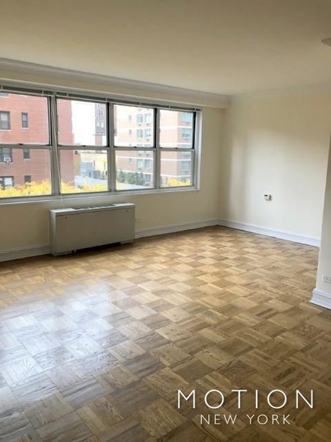 Studio, Hell's Kitchen Rental in NYC for $2,650 - Photo 2
