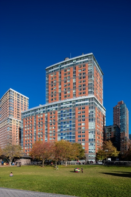 2 Bedrooms, Battery Park City Rental in NYC for $7,995 - Photo 2