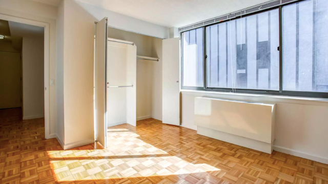 2 Bedrooms, Hell's Kitchen Rental in NYC for $5,945 - Photo 2