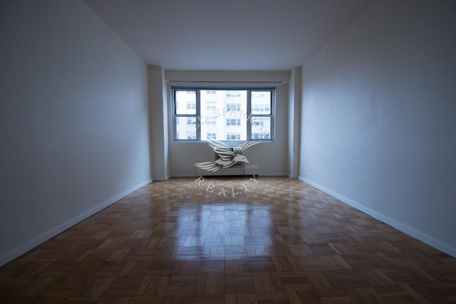 1BR at West 12th Street - Photo 1