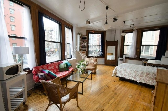 Room, West Village Rental in NYC for $7,200 - Photo 1
