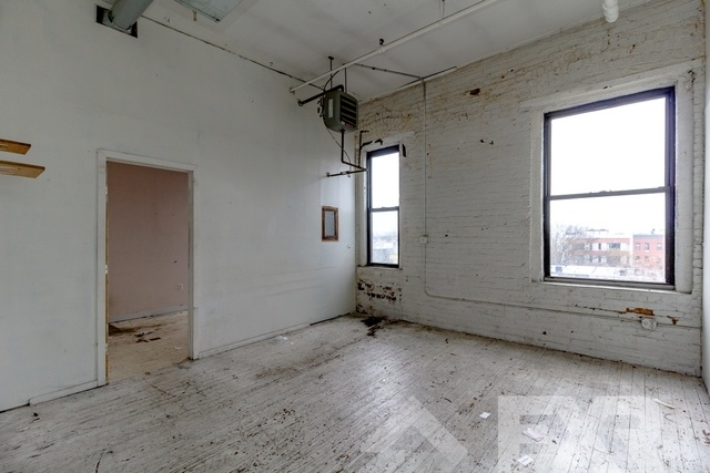 Loft, Greenpoint Rental in NYC for $4,800 - Photo 1
