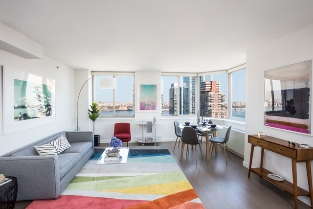 2 Bedrooms, Hell's Kitchen Rental in NYC for $5,769 - Photo 1