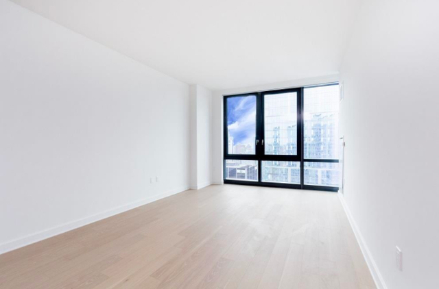 1 Bedroom, Hunters Point Rental in NYC for $4,299 - Photo 2