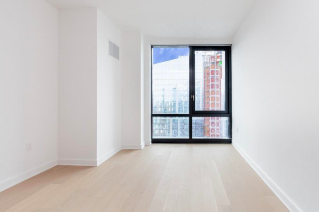 1 Bedroom, Hunters Point Rental in NYC for $4,299 - Photo 1