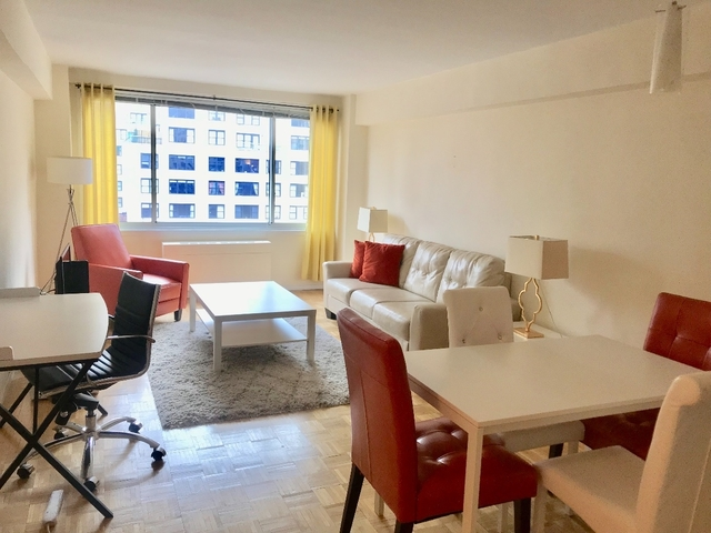 2 Bedrooms, Turtle Bay Rental in NYC for $3,116 - Photo 2