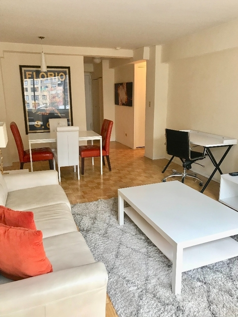 2 Bedrooms, Turtle Bay Rental in NYC for $3,116 - Photo 1