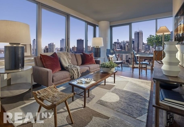 3 Bedrooms, Chelsea Rental in NYC for $5,795 - Photo 1