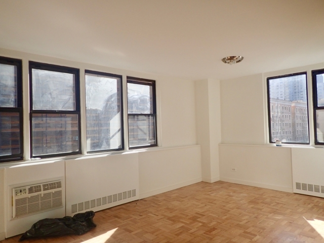 Studio, Yorkville Rental in NYC for $4,300 - Photo 1