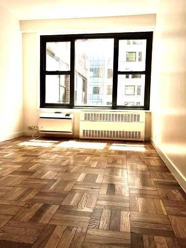 1 Bedroom, Greenwich Village Rental in NYC for $2,917 - Photo 2