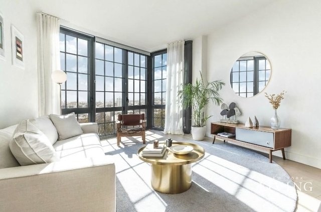 2 Bedrooms, Greenpoint Rental in NYC for $5,996 - Photo 1