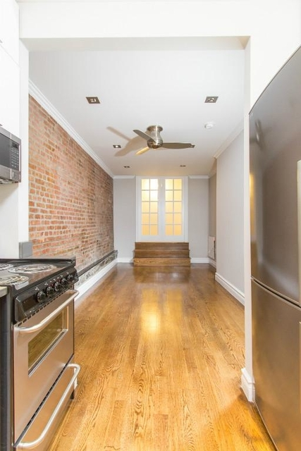 2 Bedrooms, Alphabet City Rental in NYC for $4,175 - Photo 2