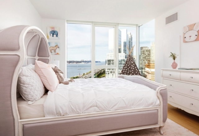 3 Bedrooms, Hell's Kitchen Rental in NYC for $11,000 - Photo 1