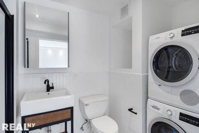 1 Bedroom, Two Bridges Rental in NYC for $3,895 - Photo 1