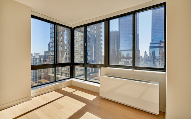 3 Bedrooms, Hell's Kitchen Rental in NYC for $6,350 - Photo 1