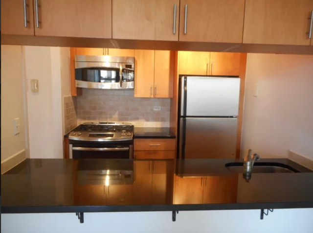 3 Bedrooms, Upper East Side Rental in NYC for $8,300 - Photo 1