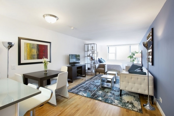 Studio, Battery Park City Rental in NYC for $3,110 - Photo 1