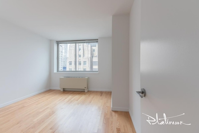 1 Bedroom, Financial District Rental in NYC for $3,845 - Photo 2