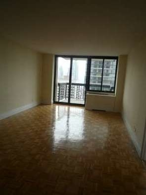 3 Bedrooms, Lincoln Square Rental in NYC for $8,995 - Photo 2