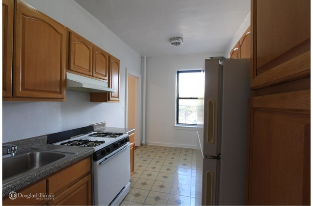 1 Bedroom, East Midwood Rental in NYC for $1,650 - Photo 2
