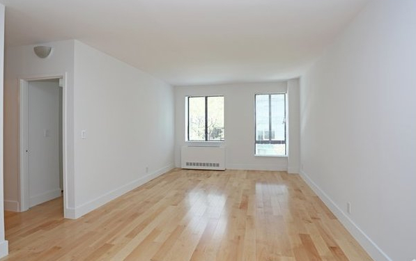 2 Bedrooms, Hell's Kitchen Rental in NYC for $4,885 - Photo 1