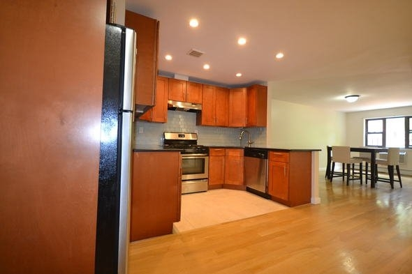 3 Bedrooms, Rego Park Rental in NYC for $2,750 - Photo 1