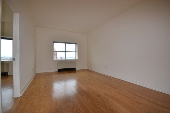 2 Bedrooms, Jamaica Rental in NYC for $2,375 - Photo 2