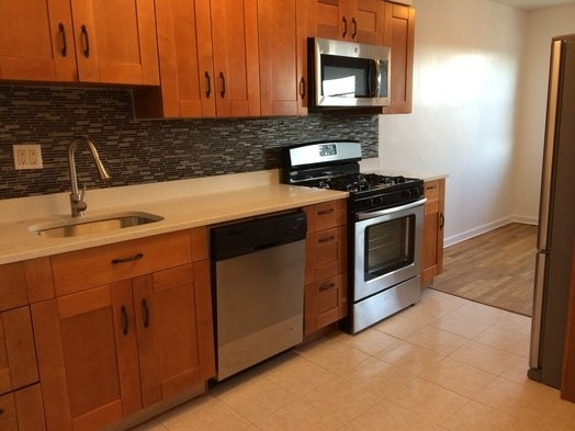 2 Bedrooms, Steinway Rental in NYC for $2,450 - Photo 1