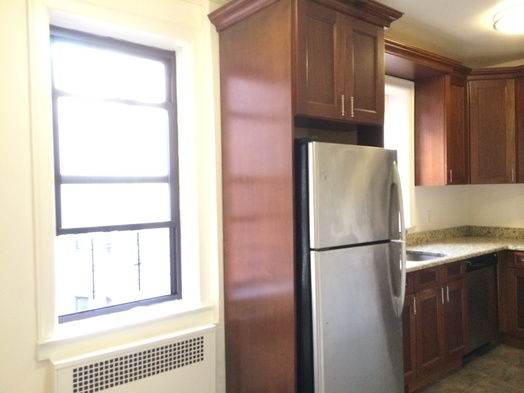 2 Bedrooms, Sunnyside Rental in NYC for $3,250 - Photo 2