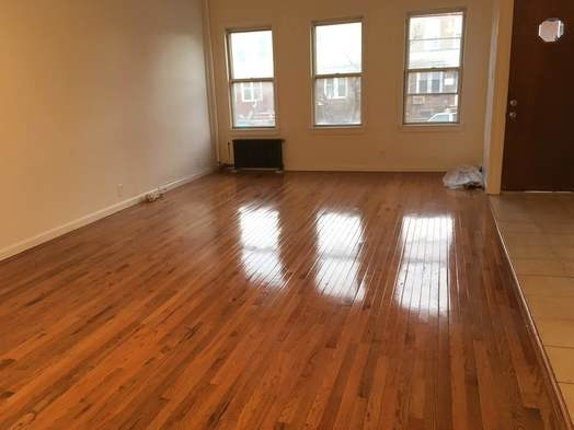 2 Bedrooms, Astoria Rental in NYC for $1,975 - Photo 1