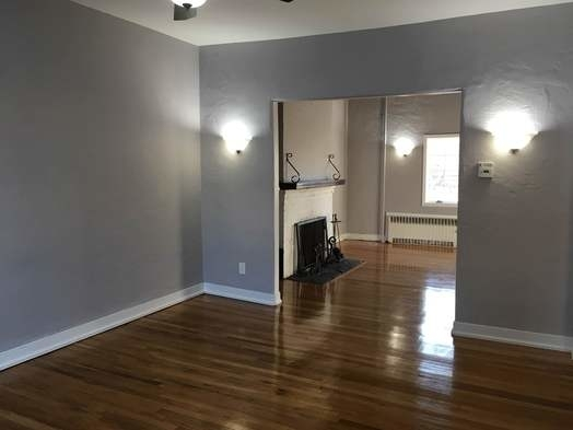 2 Bedrooms, Bayside Rental in NYC for $2,300 - Photo 2