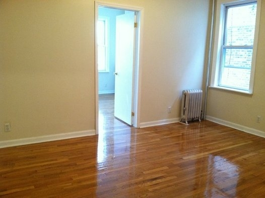 1 Bedroom, Astoria Rental in NYC for $1,725 - Photo 2