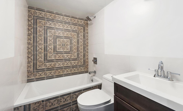 4 Bedrooms, Ocean Hill Rental in NYC for $2,800 - Photo 2