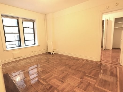 2 Bedrooms, Inwood Rental in NYC for $1,800 - Photo 2