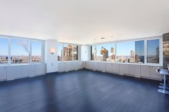 3 Bedrooms, Hell's Kitchen Rental in NYC for $18,000 - Photo 1