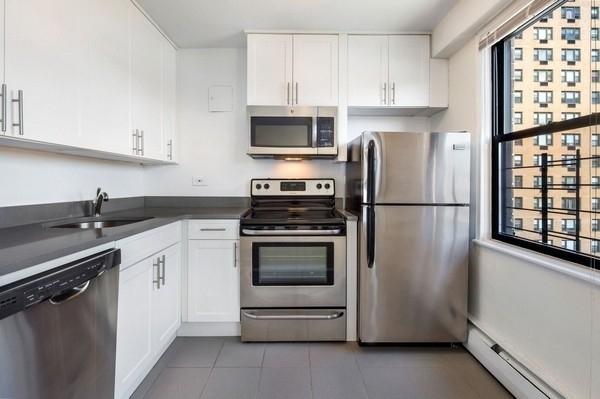 Studio, South Corona Rental in NYC for $1,610 - Photo 2