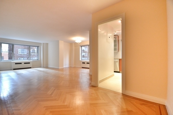 3 Bedrooms, Murray Hill Rental in NYC for $4,750 - Photo 2