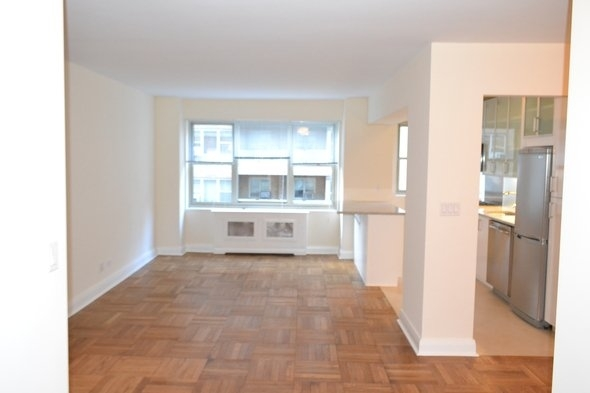 3 Bedrooms, Murray Hill Rental in NYC for $4,595 - Photo 2