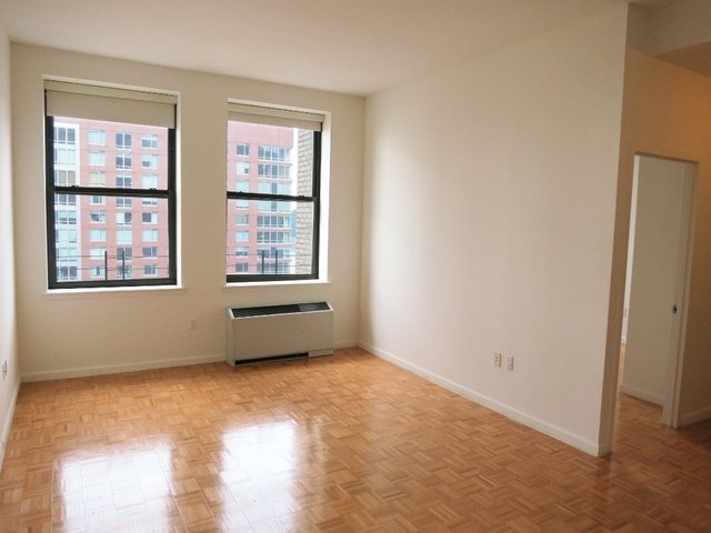 1 Bedroom, Financial District Rental in NYC for $2,910 - Photo 2
