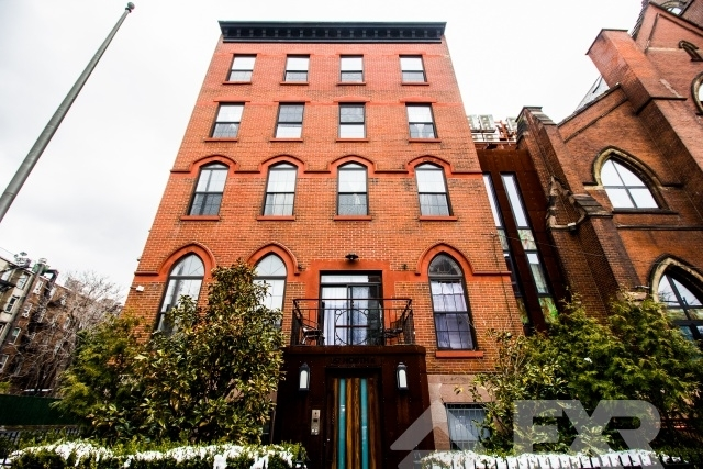 3 Bedrooms, Williamsburg Rental in NYC for $4,299 - Photo 2
