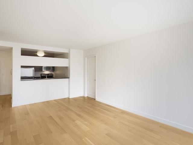 2 Bedrooms, Theater District Rental in NYC for $5,215 - Photo 2