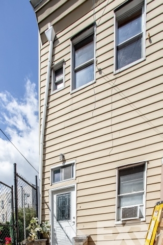 4 Bedrooms, East Williamsburg Rental in NYC for $4,594 - Photo 2