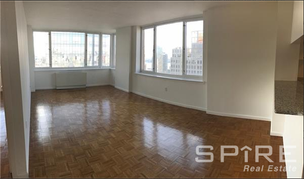 3 Bedrooms, Hell's Kitchen Rental in NYC for $5,400 - Photo 1