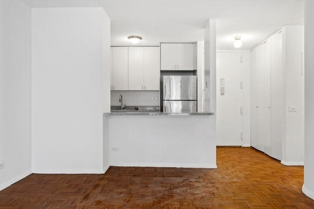 3 Bedrooms, Murray Hill Rental in NYC for $5,600 - Photo 2