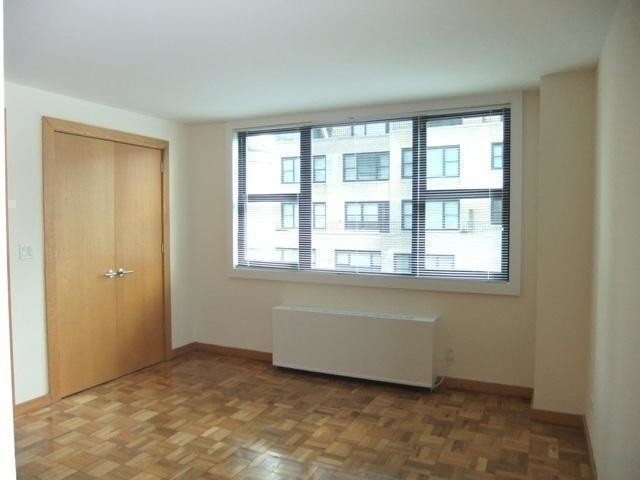 3 Bedrooms, Hell's Kitchen Rental in NYC for $5,850 - Photo 2