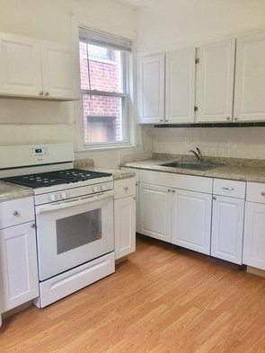 3 Bedrooms, Long Island City Rental in NYC for $2,800 - Photo 1