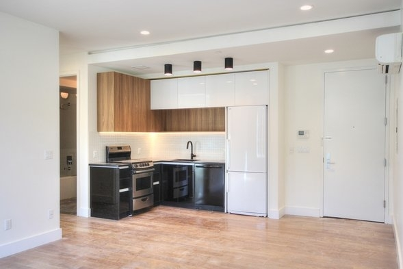 3 Bedrooms, Bedford-Stuyvesant Rental in NYC for $2,541 - Photo 2