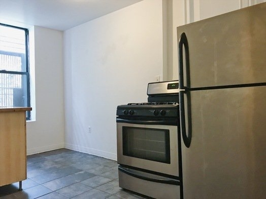 2 Bedrooms, Bushwick Rental in NYC for $2,428 - Photo 2