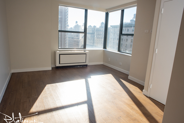 2 Bedrooms, Upper West Side Rental in NYC for $8,300 - Photo 2